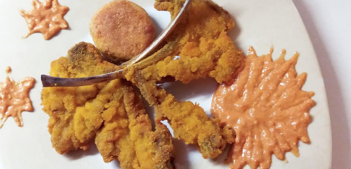Farfalle di agnello al forno con salsa di peperone e feta di Maria Rosa Steno